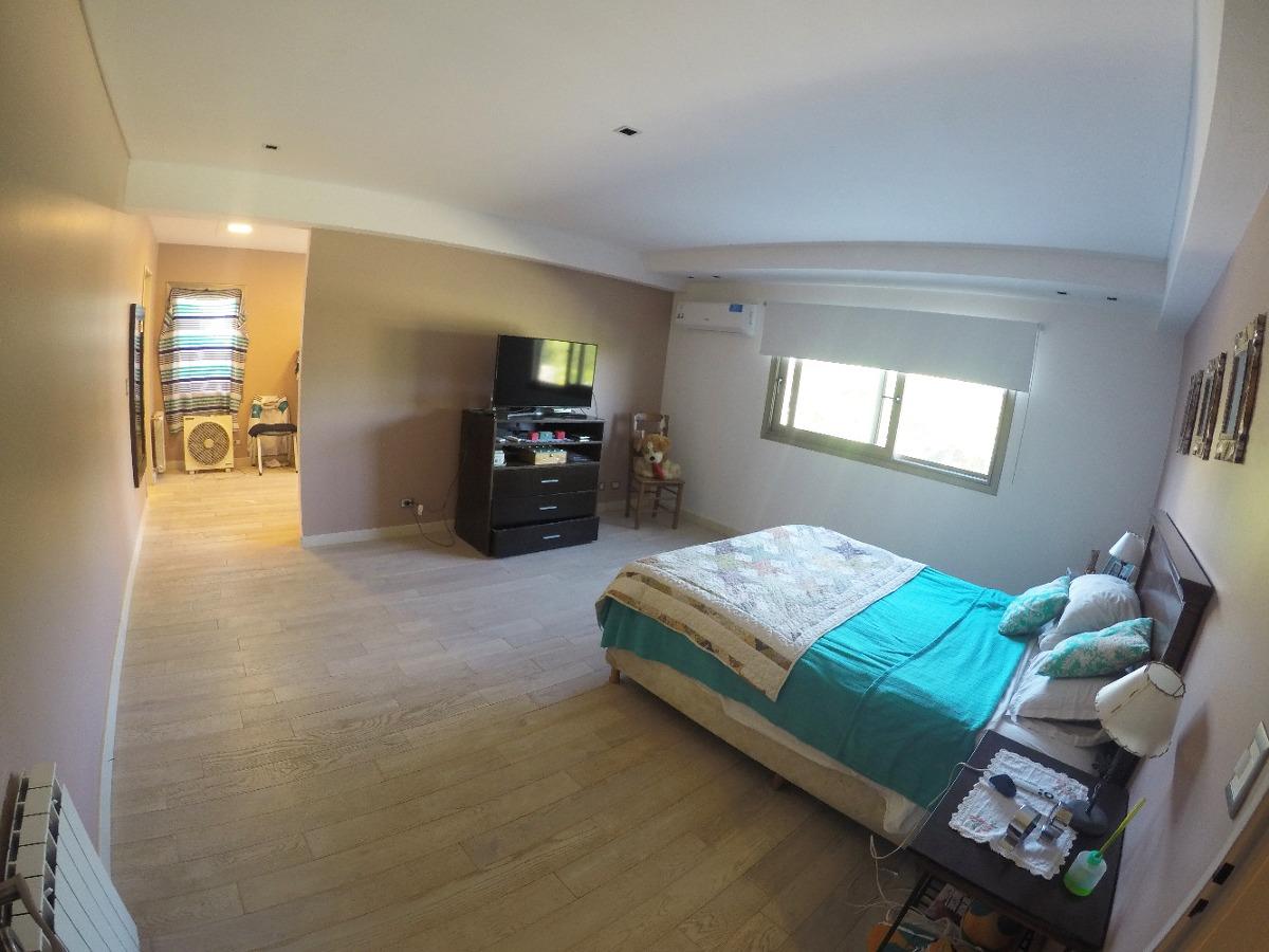 moderna casa 6 amb  2 cocheras  1 año de antiguedad