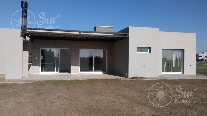 moderna casa a estrenar, excelentes terminaciones, minimalista - venta