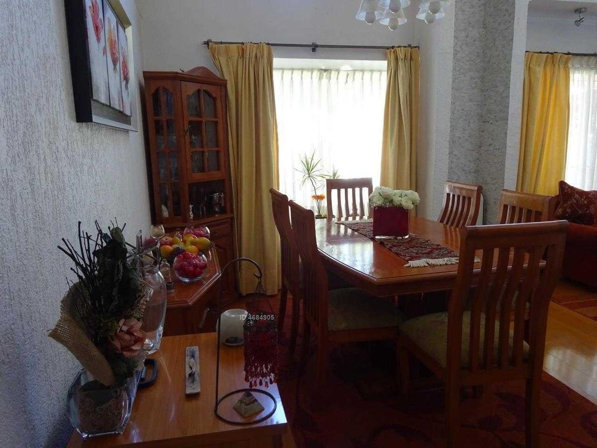 moderna casa aislada de 2 pisos. 4 d 4 b
