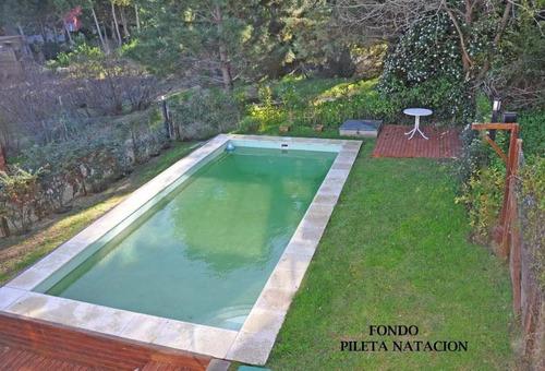 moderna casa con piscina