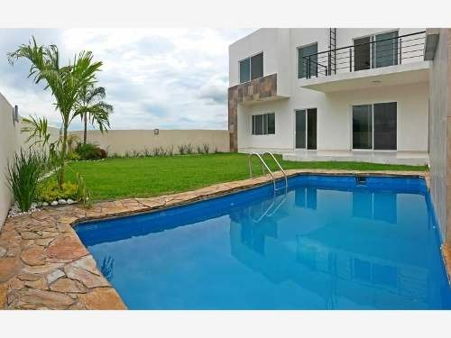 moderna casa con vista panorámica