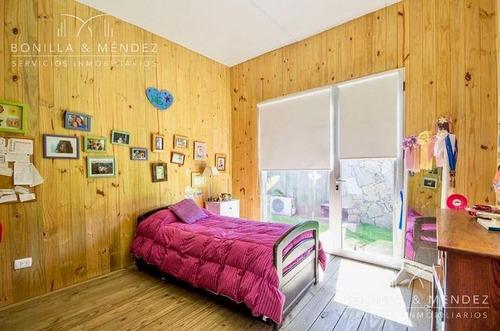 moderna casa de 4 dormitorios en el mejor barrio privado de punta del este, disponible verano 2018