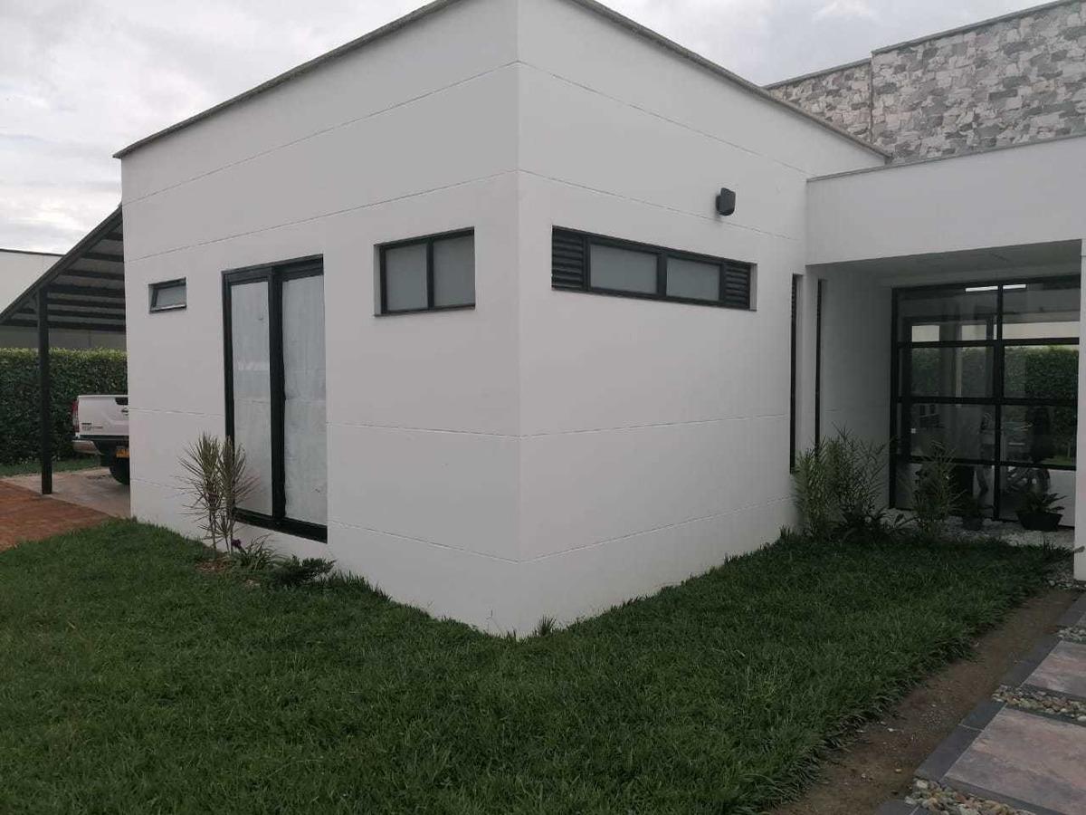 moderna casa de campo. un solo nivel cerca al club campestre