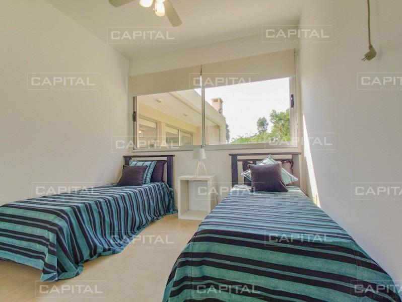 moderna casa de tres dormitorios en venta - punta del este-ref:28879
