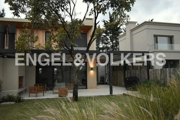 moderna casa en alquiler en san nicolas