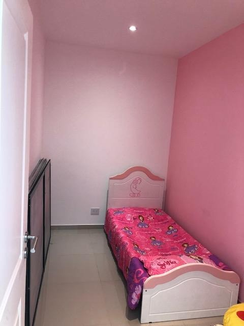 moderna casa en barrio privado los rosales! bajas expensas
