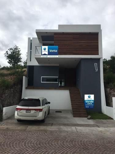 moderna casa en cumbres del lago
