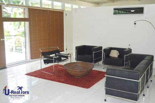moderna casa en el club ecuestre de coronado - $425,000