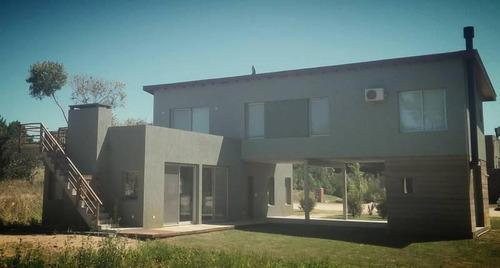 moderna casa en venta en la zona deportiva de costa esmeralda, cerca del club house