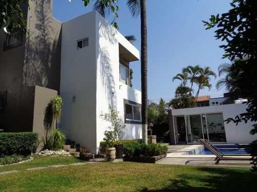 moderna casa en venta en reforma, con vigilancia, jardin y alberca