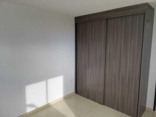 moderna casa minimalista en exclusiva privada
