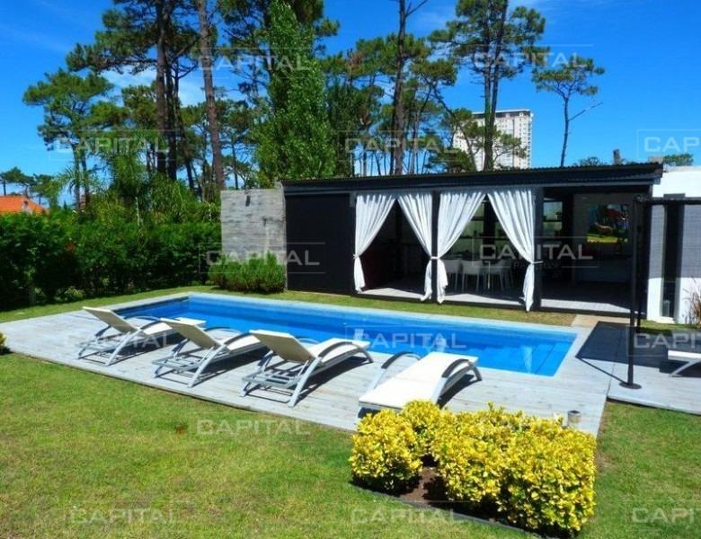 moderna casa playa mansa  - punta del este  - 5 dorm.-ref:25132