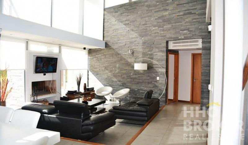 moderna. decoracion minimalista. muy buena ubicación.-ref:357