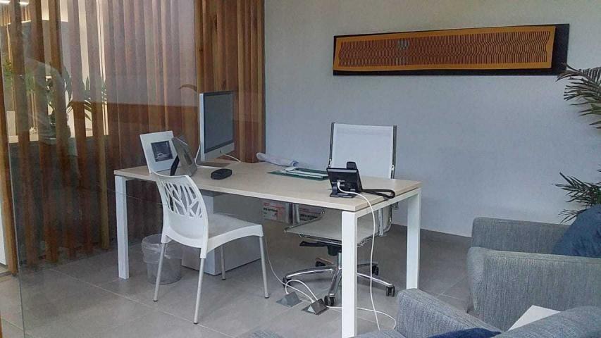 moderna oficina en venta en clayton panamá
