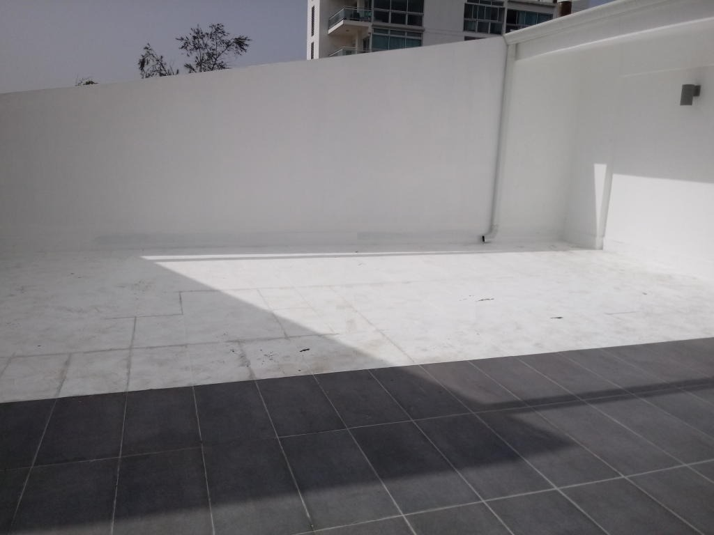 moderna plaza comercial en bella vista local de 203m2