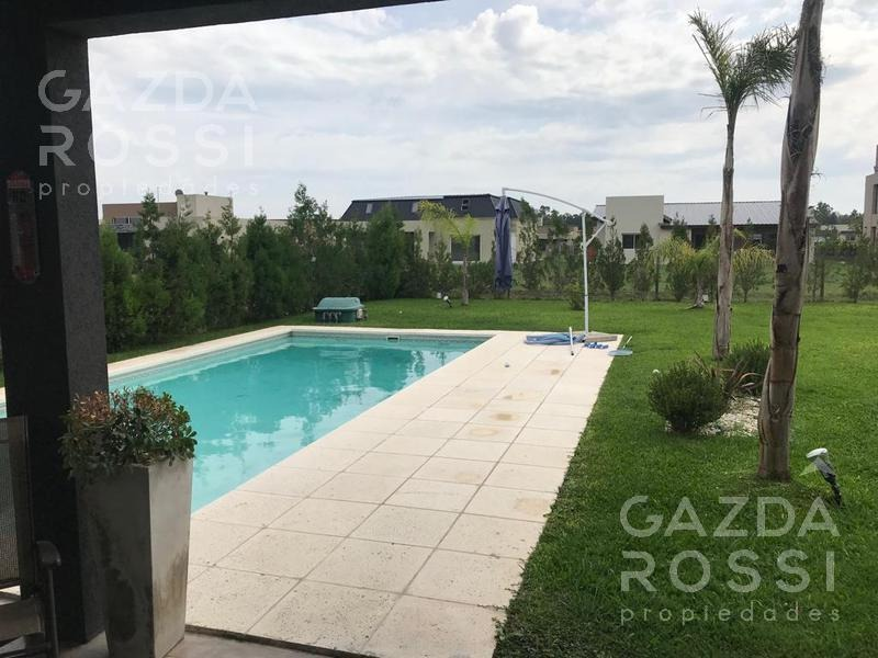 moderna propiedad con piscina en barrio santa juana, canning