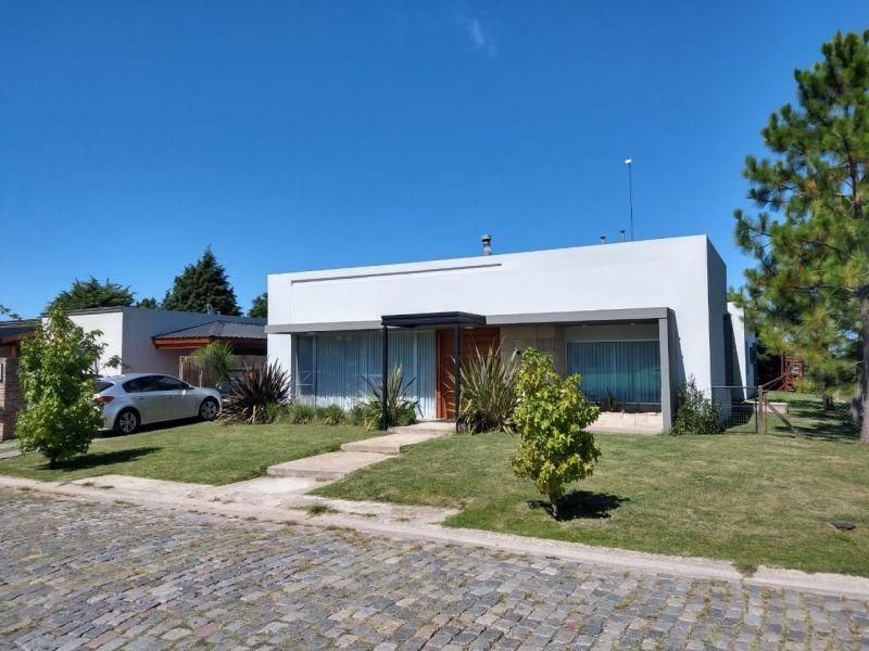 moderna propiedad en brickland sobre una planta