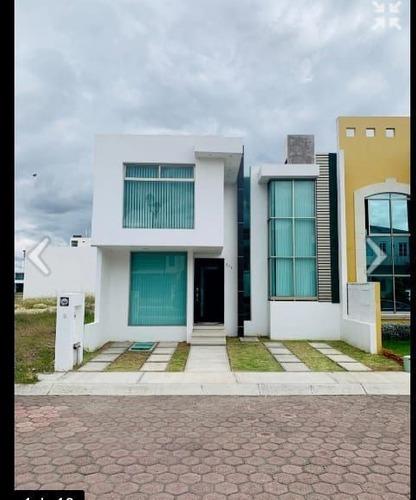 moderna residencia en la herradura