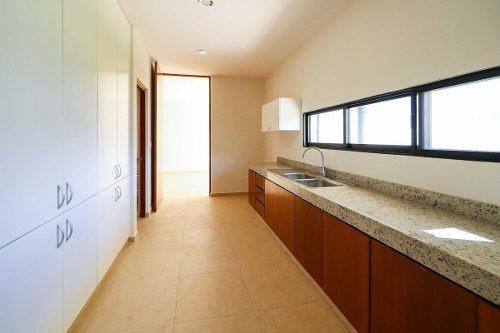 moderna residencia en sodzil 340