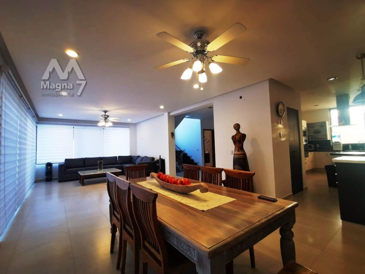 moderna residencia en venta en jardin real