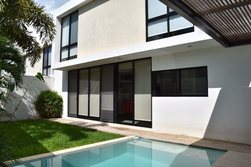 moderna y amplia casa en venta sta rita cholul