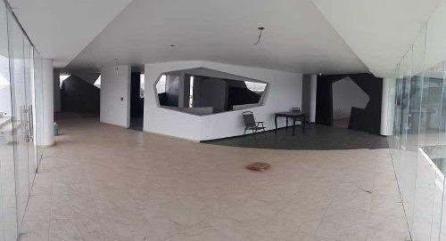 moderna y amplia residencia de 400m2 de terreno