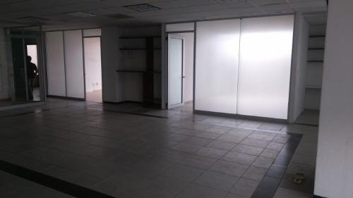 moderna y céntrica oficina en edificio corporativo aaa. ubicada en parte alta de lomas de chapultepec. ubicada en piso 17 (1704) de 203.57 m2 aprox., acondicionada, recepción, varios privados, aire a