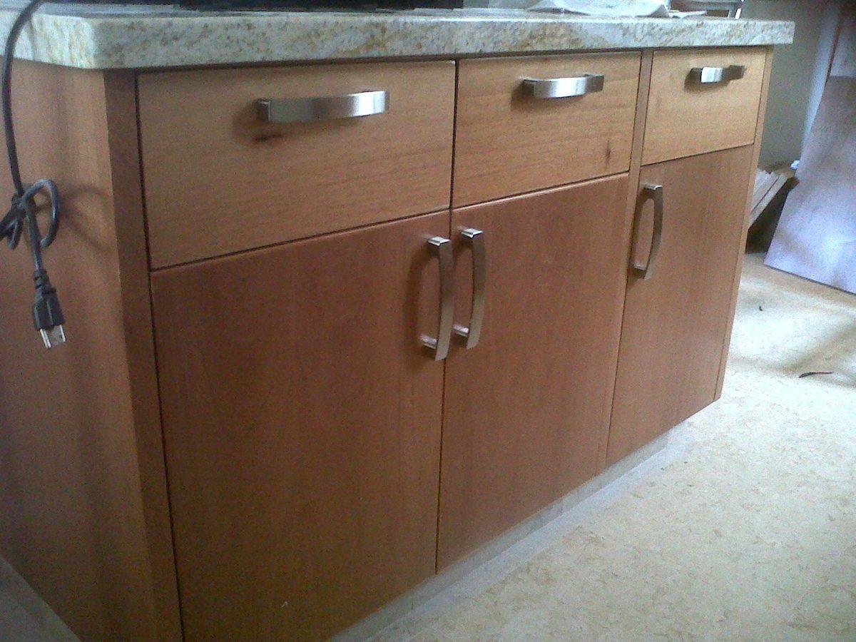 Modernas jaladeras para cocina y closet minimalista 95 for Guardas para cocina modernas