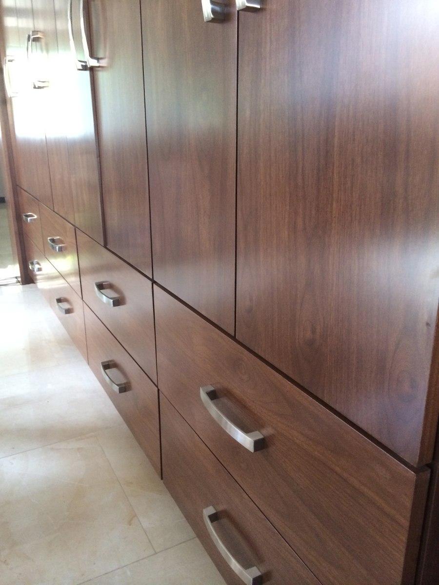 Modernas jaladeras para cocina y closet minimalista vbf for Puertas para closet minimalistas
