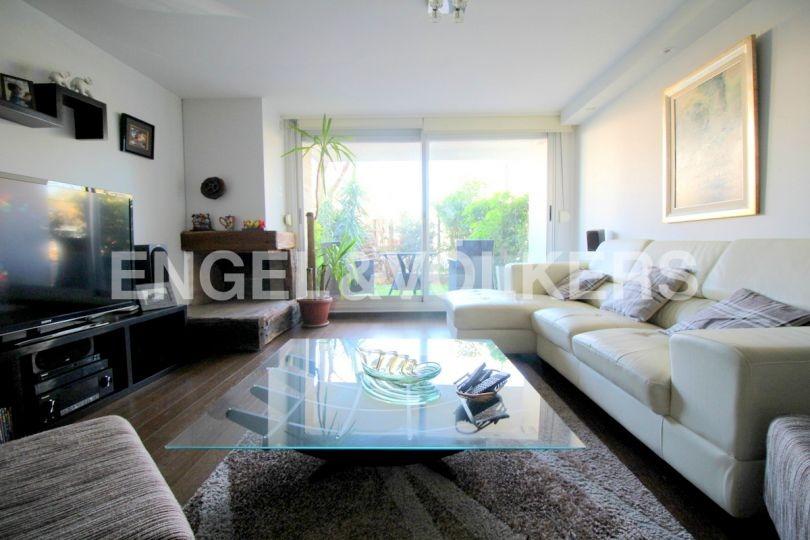 moderno apartamento de 2 dormitorios en venta con jardin y patio