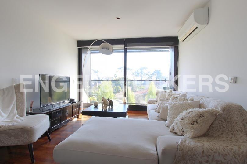 moderno apartamento en venta con renta en carrasco