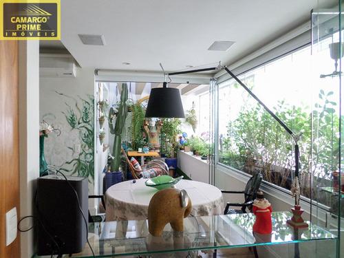 moderno, impecável, ensolarado, repleto de armários, em rua tranquila e arborizada... pertíssimo do - eb81143