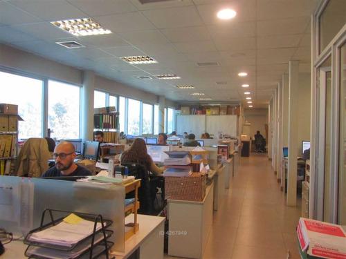 moderno: oficina y almacenamiento