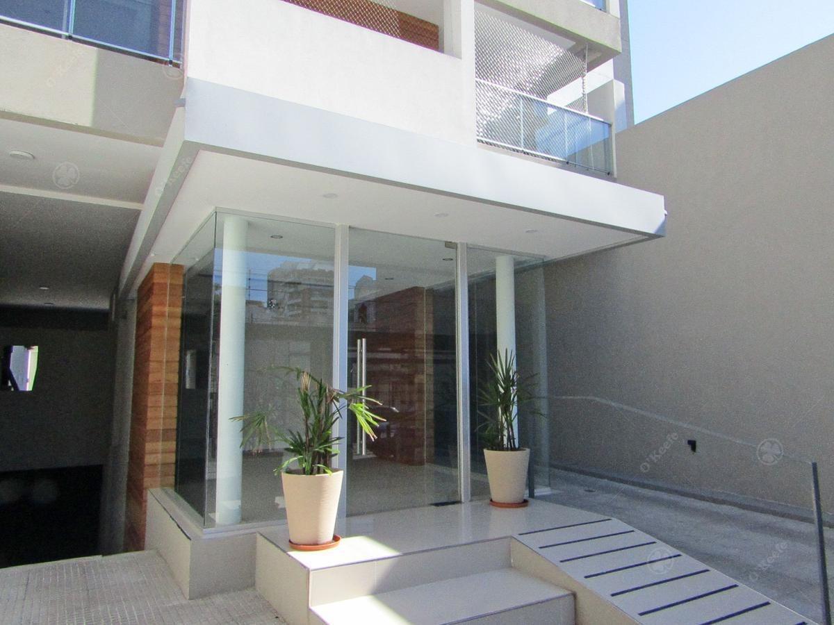 moderno piso 4 ambientes con cochera