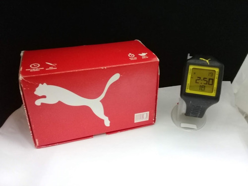moderno reloj marca puma, para caballero.