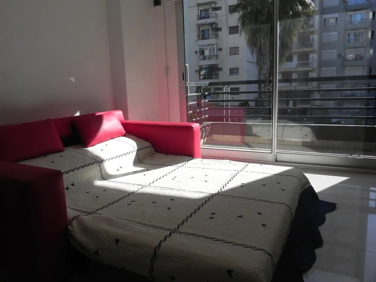 moderno y luminoso apartamento