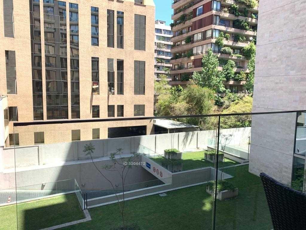 moderno y seguro edificio, se entrega amoblado a pasos del metro alcantara
