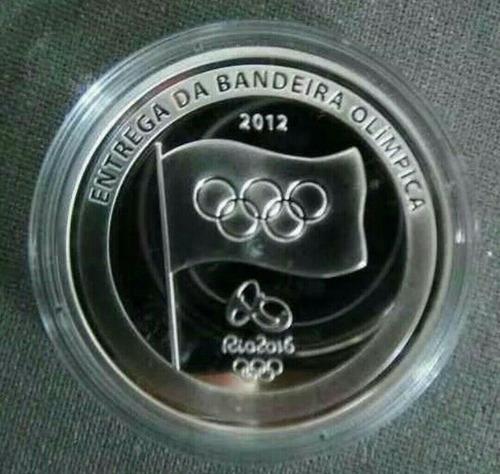 moeda entrega bandeira olimpíadas rio 2016  banhada prata