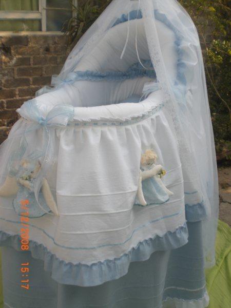 Moises para beb cuna mois s con angelitos bambineto - Cuna de mimbre para bebe ...