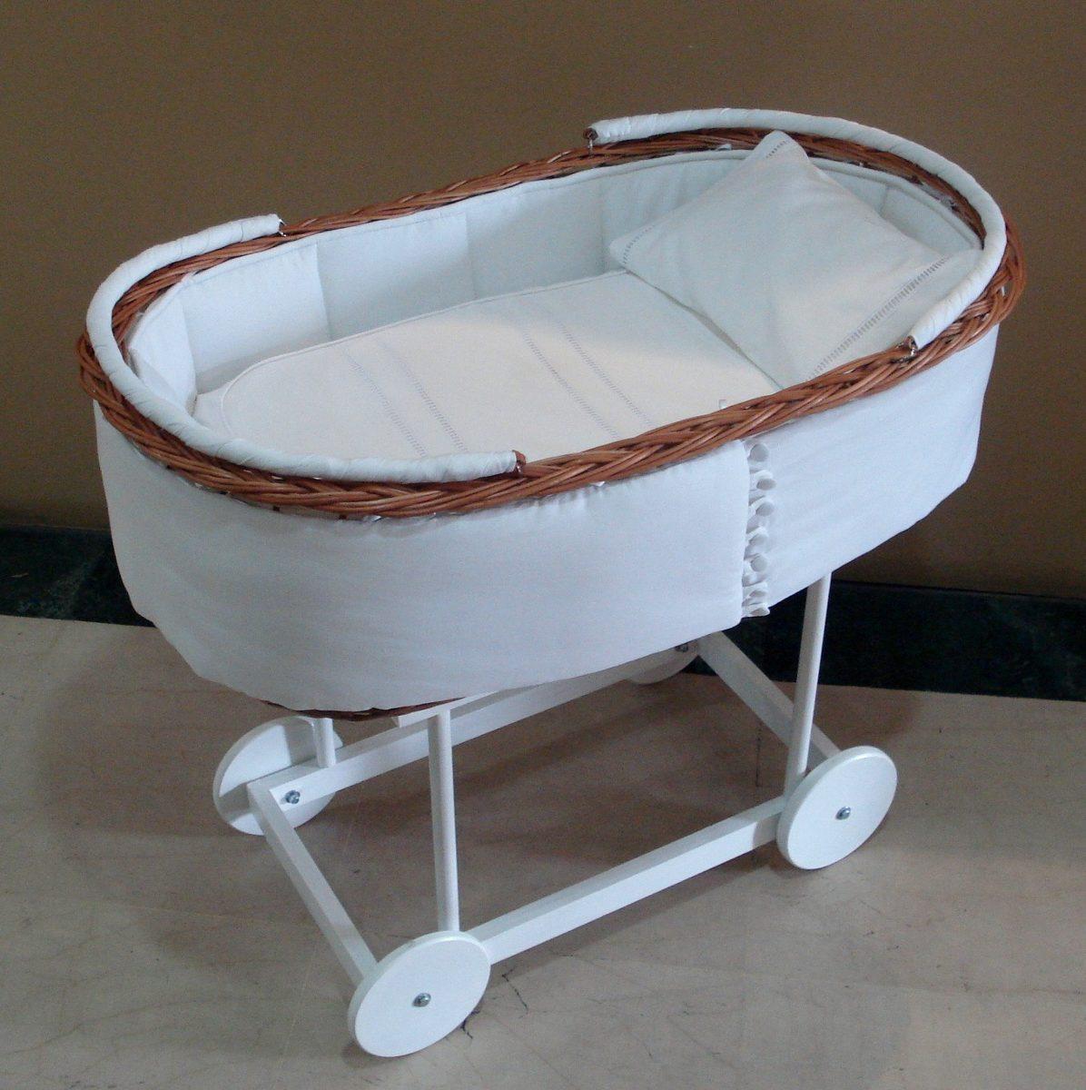 Cunas con ruedas para bebes excellent tectake cambiador for Moises bebe ikea