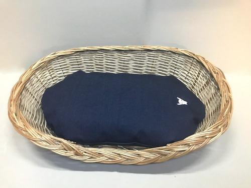moises/cama de mimbre con almohada de denim country