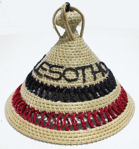 mokorotlo gorro tradicional de lesoto, africa, hecho en paja