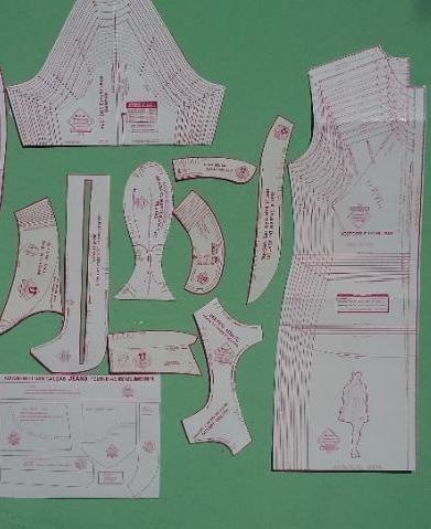 9ce4f33abe Moldes Bases Para Costura Em Roupas Femininas - R  280