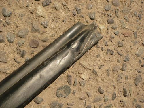 moldura bota agua l200 2016 del der dañada - lea descripción