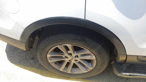 moldura buche rueda trasera derecha ford explorer 2012-2016