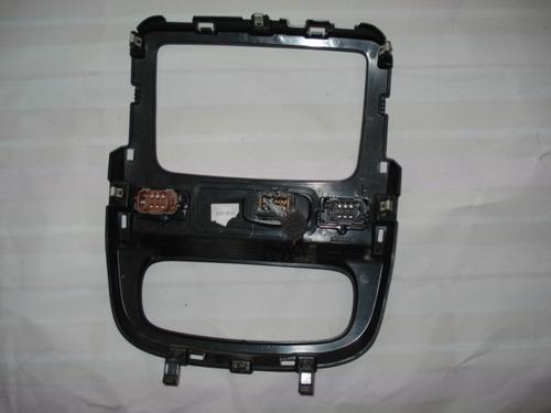 moldura central do painel do renault daster do radio botão