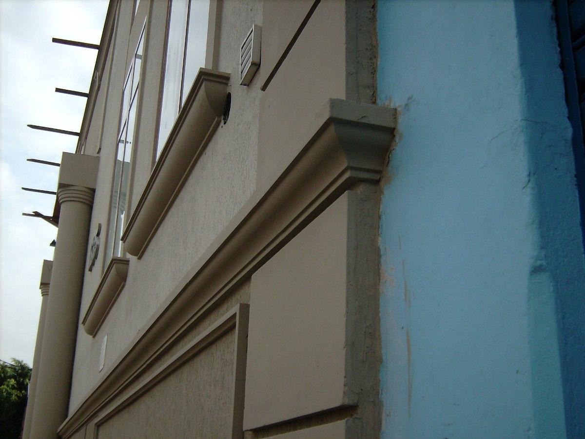 Moldura de concreto para fachadas de resid ncias e for Molduras contemporaneas