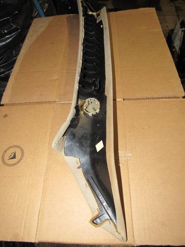 moldura de poste de parabrisas derecho cadillac cts 03-05
