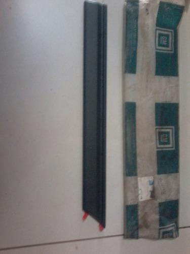 moldura lateral esquerda kadett sl 91/93