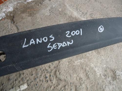 moldura maleta lanos 2001 sedan - lea descripción